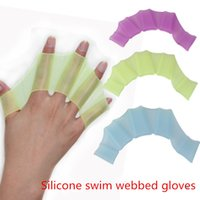 Wholesale Super Frog Prince silicone swim supplies the water to swim draw sailor palm webbed flying fish swim swim webbed hands Pu paddling palm swimm