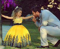Wholesale Ball Gown Yellow Satin Little Girl s Pageant Dresses Crew Neckline Black Applique Floor Length Princess Baby Party Dresses