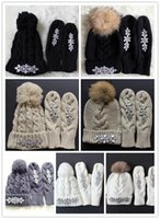 Wholesale Fashion Diamond Gloves Mittens and Hats with Raccoon Fur Pom Pom handmade fashion Diamond gloves Mittens and hats lady