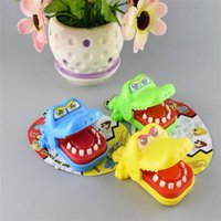 abs novelty gift - New Arrivals Children Kid Creative Amusement Toys Crocodile Mouth Bite Finger Novelty Games ABS Plastic Cute Gift KB8