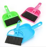 Wholesale Fashion mini cleaning broom broom and dustpan set mini plastic broom fashion home gifts