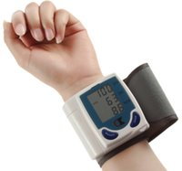 Wholesale Automatic Electronic Wrist Sphygmomanometer LCD Display Blood Pressure Monitor Systolic Blood Pressure Gauge