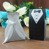 Wholesale Lovely Wedding Candy Boxes Bride Cloth And Groom Dress Paper Sweet Candy Bags Wedding Decorations S30255