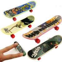 Wholesale New Mini Finger Board Skateboards Kids Fascinating Toys New Style Hot Sale Free Ship