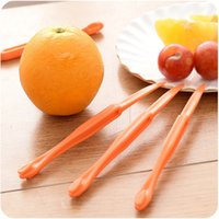 Wholesale 15cm Long section Orange or Citrus Peeler Fruit Zesters Compact and practical kitchen tool