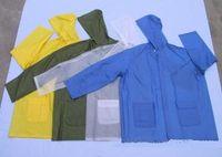 Wholesale Light raincoat for male and female children Disposable raincoat PE film Convenient to use and carry Disposable raincoat set a raincoa