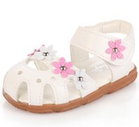 Wholesale fashion child sandals shoes soft bottom baby girls sandals shoes baby kids flower sandals girls leather princess shoes