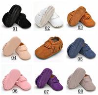 al por mayor zapatos suaves del bebé recién nacido-La nueva muchacha recién nacida del bebé de la manera 2016 embroma los primeros zapatos de los caminantes de los zapatos de los mocasines del bebé del niño de los calcetines de los zapatos