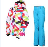 Wholesale women s ski suit snowboarding set geometric jacket and pants suit in women set skiing wear and trousers