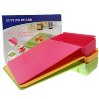 Wholesale Eco friendly Two in One Multinational Chopping Blocks Vegetables Fruits Cutting Board Humanization Design Kitchen Storage QAC