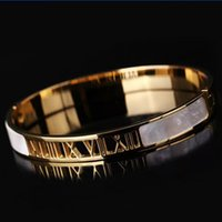 Wholesale New Design Pulseiras Love Bracelet FemaleTitanium Steel white Shell Bangle K Gold Bracelets Bangles for women Wedding Engagement Jewelry