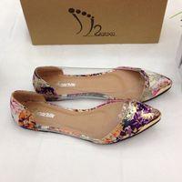 women fashion shoes large size - Women Fashion Floral Satin Flat Shoes New Hot Sale Joker Casual Shoes Metal Pointed Toe Flat Shoes Large Size Flats