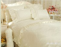 Cheap Romantic Flower Lace bedspread princess bedding set queen king size 4pcs Jacquard comforter duvet cover bed skirts bedclothes