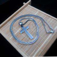 al por mayor pequeña cruz de acero-Los hombres de moda o plata de las mujeres del acero inoxidable de la cruz del encanto Pequeño colgante y collar de la caja