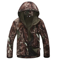 camouflage clothing - Men s Lurker Shark skin Soft Shell Outdoor Military Tactical Hiking Jackets Waterproof Windproof Army camouflage clothes outdoor jacket WSD1