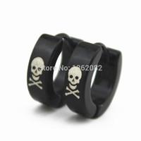 achat en gros de pirates inoxydable-Vente en gros 12pairs / lot Unisex Cool Pirate Skull Printed Hoop Boucles d'oreilles Hommes Femmes Noir Boucles d'oreilles en acier inoxydable Cadeau ME16