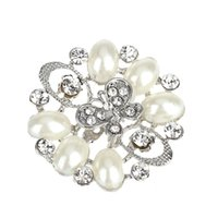 aqua scarves - Hot Fashion Jewelry Brand Silver Plated Hollow out Butterfly Flower Pearl Scarf Clips Brooch Crystal Brooch Pin For Women