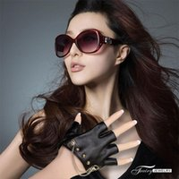 Wholesale Fashion accessories black leather gloves with rivet female gloves