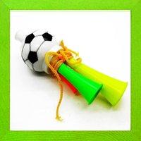 Bon Marché Football jeux de la coupe du monde-Meilleur Vuvuzela World Cup Trompettes Fans Horn Hornets en plastique spéciaux Football / Soccer jeux nécessaires Athletic Football Games 50sets / lot