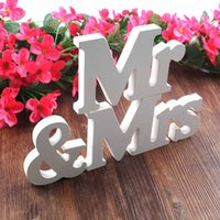 Wholesale 1 Set Solid Mr Mrs Wooden Letters for Wedding Decoration Sign Top Table Present Decor