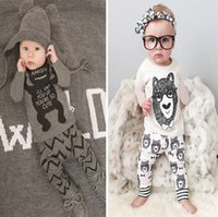 2015 New Cute Bear Baby Girls Ensembles pour garçons Ensemble à manches longues Cartoon Bowtie Boy Coton Tops + Harem Pantalons Lovely 2pcs Costumes A4708