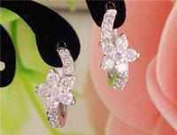 Wholesale 2016 new fashion pair sterling silver womens Clear CZ Zircon Flower hoop earrings