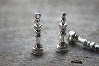 antique chess - 20pcs Chess Piece charms Antique Tibetan silver D King Piece Charm pendants x8mm