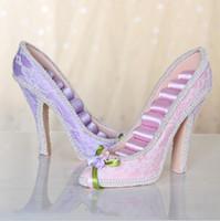 achat en gros de affichage de l'anneau de chaussures à talons hauts-High Heel chaussure Stud Stud montre titulaire Organisateur résine Crafts charmes Cadeau bon marché 2016 nouvelle campagne style Jewelry Rack (170086)