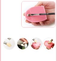 Wholesale 200PCS Silicone Makeup Brush Cleaner Cleaning Brush Egg Cosmetic Brush Cleanser Brushegg Brush Cleaing Tool DHL shipping