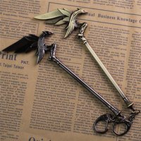 animal games online - Hot Online Game League of New Legends LOL keychain Fashion cm Alloy Key Ring Raven s Weapon Jewelry Men Jewelry Kids Gifts