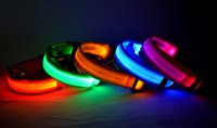 Wholesale 2015 Fashion LED Flashing Dog Collar With Diffent Colors Flexing Nylon Collar Adjust The Size Pet Supplies