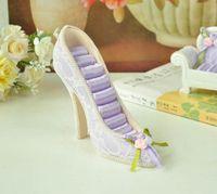 achat en gros de affichage de l'anneau de chaussures à talons hauts-High Heel chaussures Stud Stud Display Holder Organisateur résine Artisanat charmes cadeau bon marché 2014 nouvelle campagne style Jewelry Rack (170086)