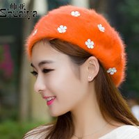 Wholesale Thick winter fur berets five leaf flower painter cap small wrinkle daisy female thick warm hat