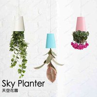 Wholesale Brand New sky planter Upside Down Plastic Sky Planter Creative Plant Flower Garden Pot