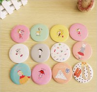 Wholesale Lovely cartoon cosmetic mini mirrors makeup vanity mirror collapsible different colors different pattern portable travel bag mini mirror