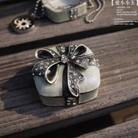 Cheap Vintage Bow Ring Boxes Favor Holders Wedding Diamond Tins Jewelry Box Valentine's Day Gift Boxes Engagement Ring Display Boxes