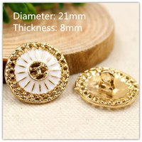 Wholesale Dia mmmetal button Gold White Color World famous classic buttons garment accessories DIY materials CH070