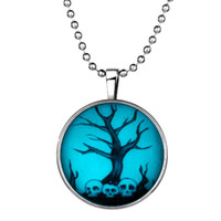 beauty eating - 2015 Man Eating Tree Halloween skull necklace Children necklace gift emitting phosphor time gemstone pendant necklace