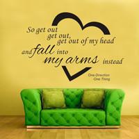achat en gros de chute coeurs-Une citation de Direction Wall Decal Sticker Décor Sortez de mon cœur et de tomber dans mes bras Home Decor