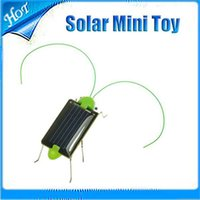 Wholesale New Cute Solar Power Robot Insect Bug Locust Grasshopper Toy Solar Power Mini Toy Car Moving Racer