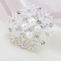 acrylic snowflake ornaments - 2015 New Arrival Sale Asian East Indian China miao Gift Snowflake Christmas Ornaments Fashion Jewelry Alloy Diamond Brooch Bridal Clothing