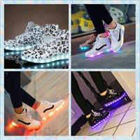 3 choix de couleurs lumières colorées recharge USB LED lumineuses chaussures hommes / femmes de chaussures de sport aide bottes danse de rue de chaussures de haute lumière 35-44
