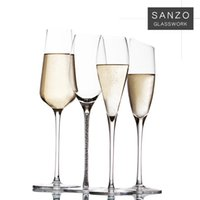 beer flute glass - 2016 Top Fashion Tazas Beer Glass S Custom Wine Glass Crystal Champagne Flute Shaped Cup Artificial Blowing Shallow Dish Wedding