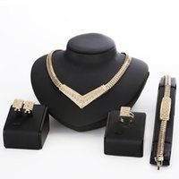 Wholesale 18K Gold Plated Rhinestone Costume Statement Necklace Cheap Jewelry Sets Women Wedding Accessories Necklace Set African Beads ZC01