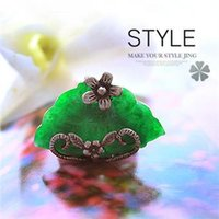 authentic emerald rings - Authentic Korean fashion retro butterfly color emerald green emerald ring ring generous and elegant models Size