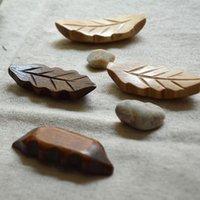 Wholesale Wooden chopsticks frame wooden tableware nanmu chopstick holder leaf shape coffee burlywood cm