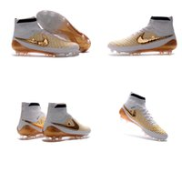 Wholesale 100 original Soccer Cleat Gold CR7 Special Edition Gold studs Soccer Shoes New FG CR7 Mens Football Boots