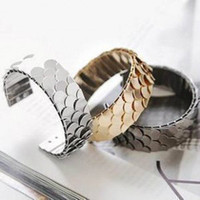adjust scale - Punk stunning personality flaky scales can be adjusted high metal wide bracelet fashion lovers special E045