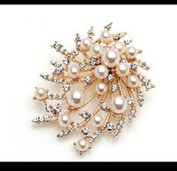 beach wedding bridal party gifts - High Quality Bridal Jewelry Wedding Brooches Summer Beach Casual Evening Bride Women Accessory Pins Crystal Pearls Evening Brooch Cheap
