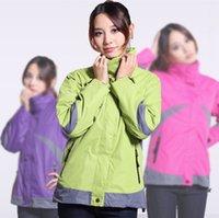 Wholesale Outdoor two piece ski wear female warm waterproof warm outdoor ski wear detachable